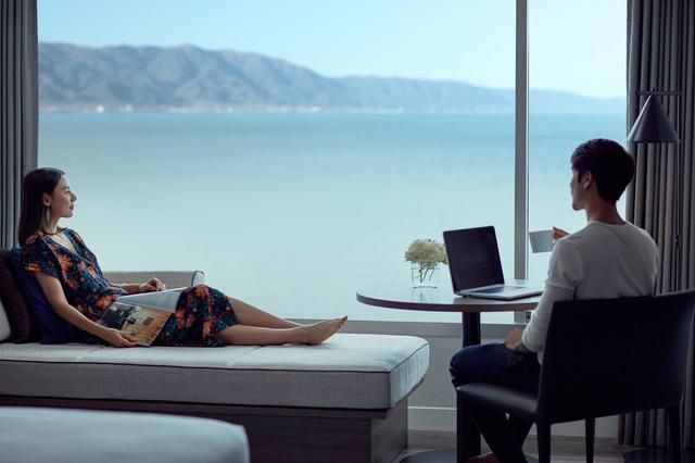 画像1: 【F-11884/滋賀】琵琶湖畔に佇むアーバンリゾート琵琶湖マリオットホテルで優雅に過ごす休日2日間1プレー