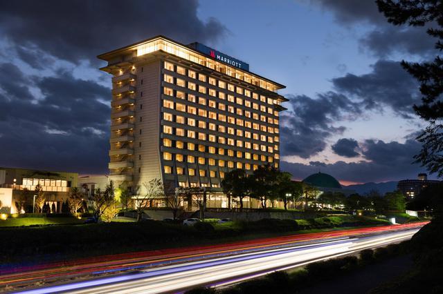 画像2: 【F-11884/滋賀】琵琶湖畔に佇むアーバンリゾート琵琶湖マリオットホテルで優雅に過ごす休日2日間1プレー