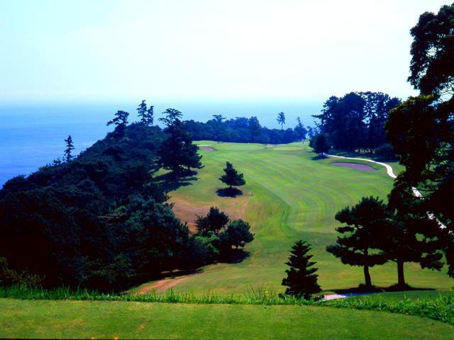 画像: 川奈ホテルゴルフコース 大島コース1番(354Y・P4)