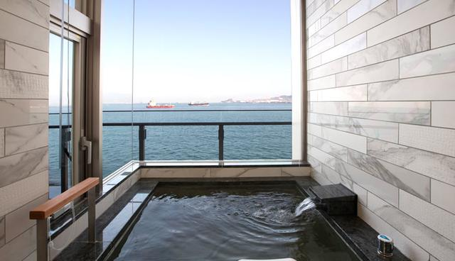 画像: 客室温泉風呂