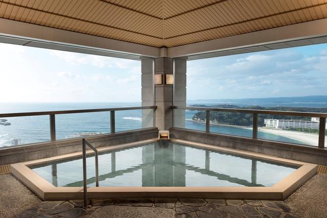 画像: 温泉大浴場露天風呂