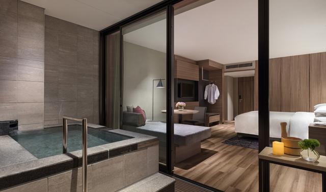 画像: 温泉露天風呂付デラックスルーム 温泉露天風呂が付いた特別感あふれるお部屋。入浴中は天城連山の絶景をお楽しみください。