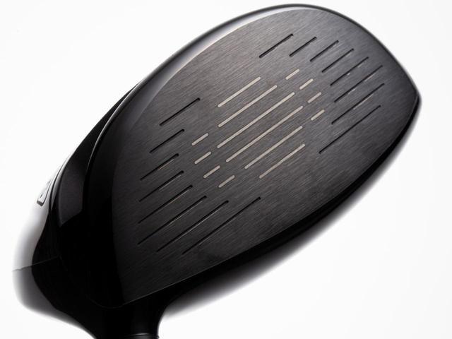 画像: 300ヤード先のフェアウェイへ。 曲げずに飛ばすための ハードヒッター専用モデル「SYB×LAゴルフ ドライバー」