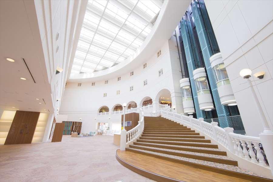 画像: ANAホリデイ・インリゾート宮崎 開放感のあるロビーはヨーロッパの香り