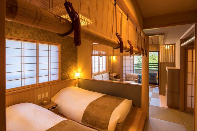 画像: 100cm幅の和ベッドと110cm幅のベッドを2台ずつ備えた和フォースの客室。グループでの利用に最適。