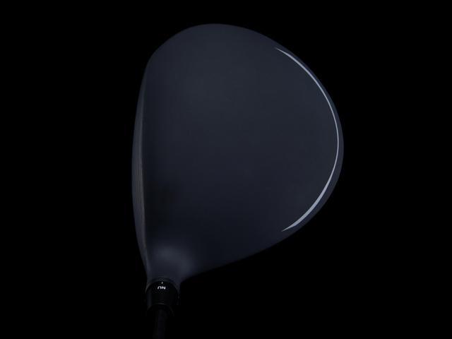 画像: 投影面積の大きなシャローバック形状でありながら、打点の広いセミディープフェースの設計