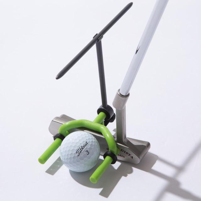 画像: 高難度の練習器具「ゴールポスト」。突き出したグリーンのポールの長さがクセモノです。