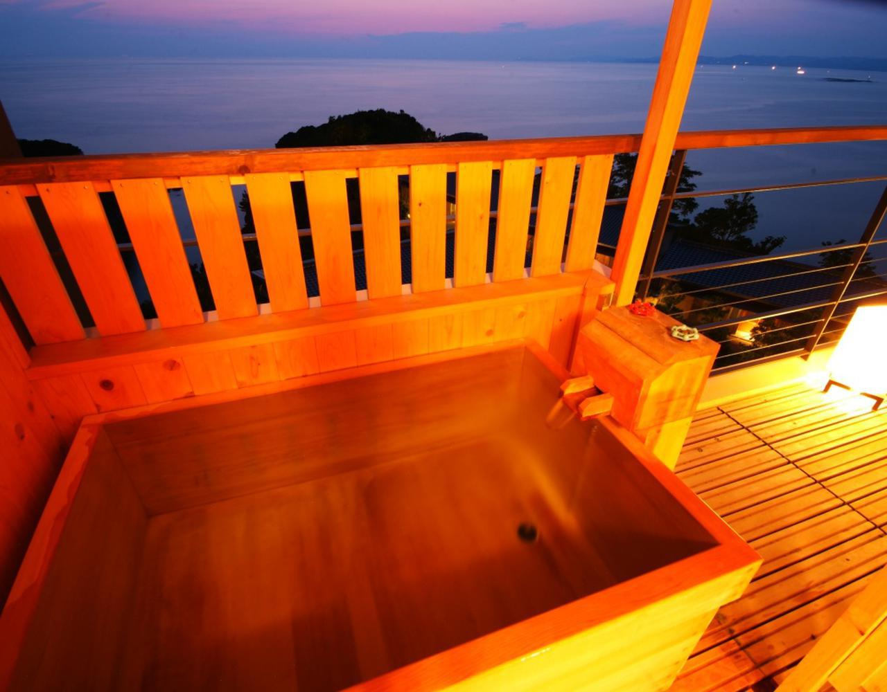 画像: 浜千鳥の湯 海舟 暁の抄 和洋室 客室露天風呂