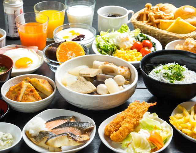 画像: ドーミーインの朝食 『味めぐる小鉢横町』~ご当地逸品と朝の彩り献立~