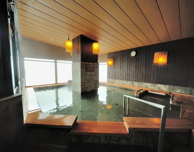 画像: ドーミーイン新潟 日本海を見渡せる大浴場(男性)