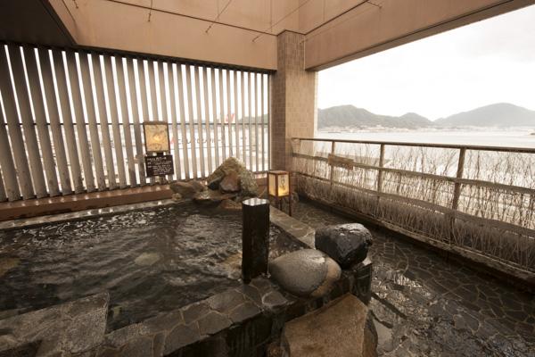 画像: ドーミーインPREMIUM下関 関門海峡を望む露天風呂