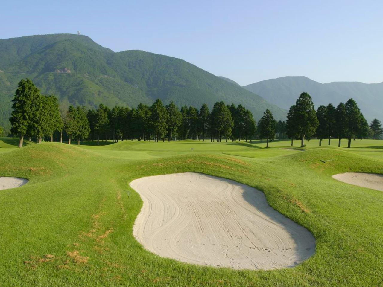 画像: 【大箱根カントリークラブ】LPGAツアーCAT Ladiesの舞台。美しい箱根の外輪山と雄大な仙石原高原を背景に広がる雄大なチャンピオンコース。