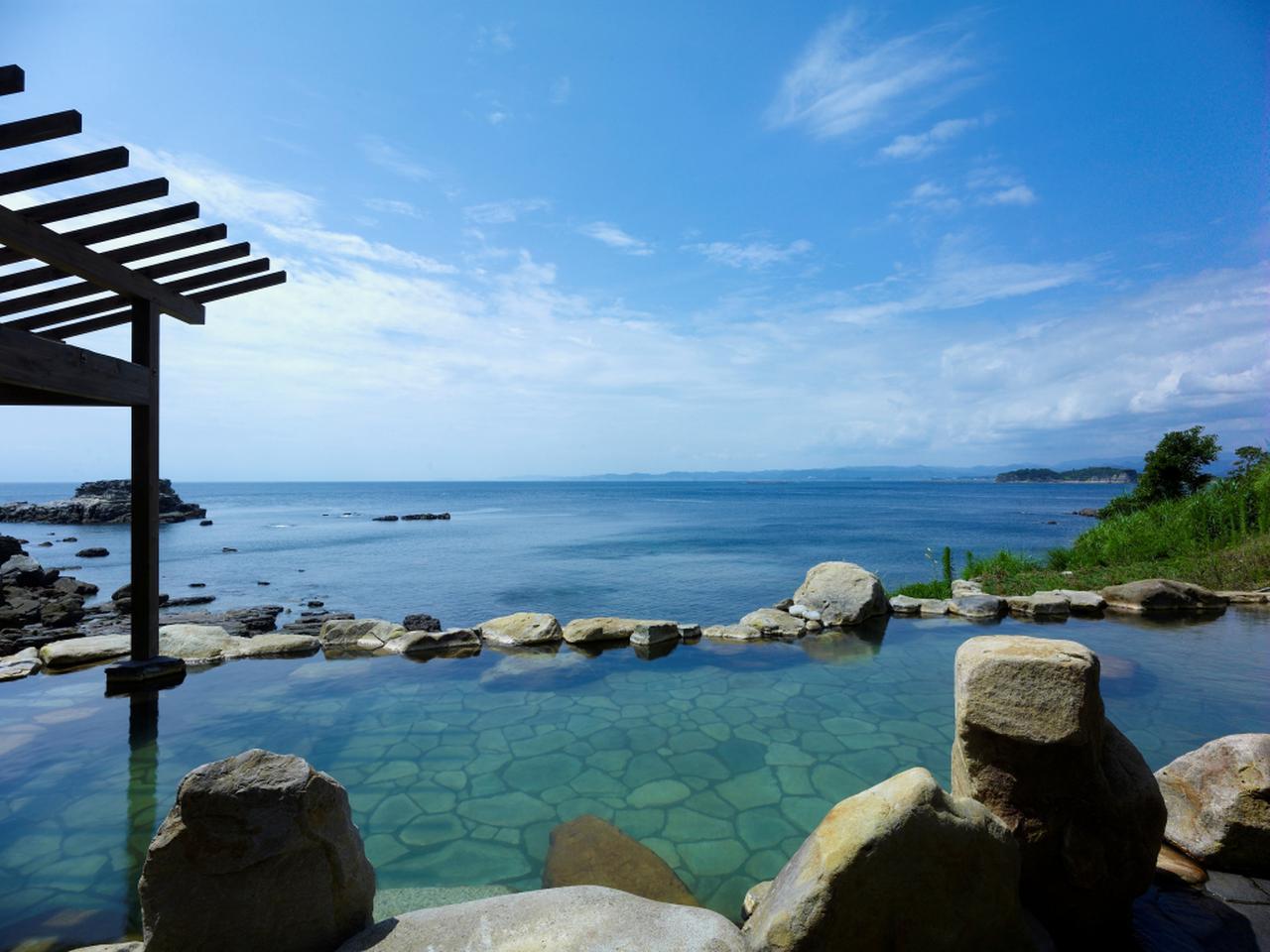 画像: 【浜千鳥の湯 海舟】大海原が広がる混浴露天風呂