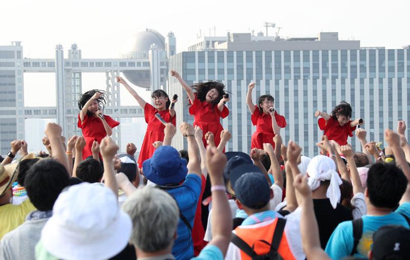 Images : 25番目の画像 - 「九州女子翼/念願のTIF2018出場を決め、天空に一番近いスカイステージで、抜群の飛翔を魅せた」のアルバム - Stereo Sound ONLINE