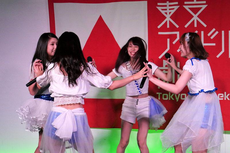 Images : 5番目の画像 - 「G-COMPLEx/大成功ワンマンの翌日、東京アイドル劇場に出演。現場が狂熱のダンスフロアと化す!」のアルバム - Stereo Sound ONLINE