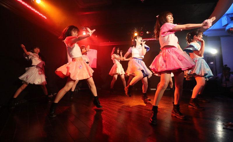 Images : 7番目の画像 - 「dela/ミスマガジングランプリ受賞者・沢口愛華を含む名古屋の人気アイドル・グループが、定例東京公演を開催。切れ味鋭いダンス、多彩な楽曲でファンを魅了」のアルバム - Stereo Sound ONLINE