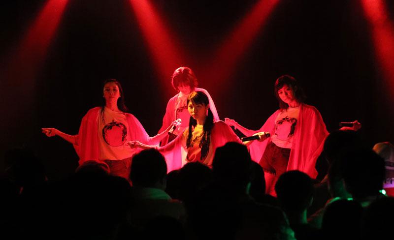 Images : 20番目の画像 - 「りんご娘/青森県を拠点に活動する要注目グループが、初の東京ワンマンを盛大に開催。ハイレベルな楽曲と笑顔満載のパフォーマンスで、超満員のオーディエンスを魅了」のアルバム - Stereo Sound ONLINE