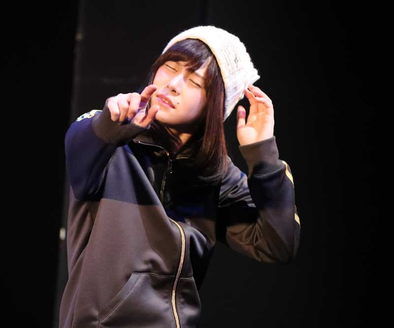 Images : 7番目の画像 - 「黒木美紗子/舞台「君死ニタマフ事ナカレ 零_改」で見事なヲタク演技を披露。「今年一番の熱量をもって演じています」」のアルバム - Stereo Sound ONLINE