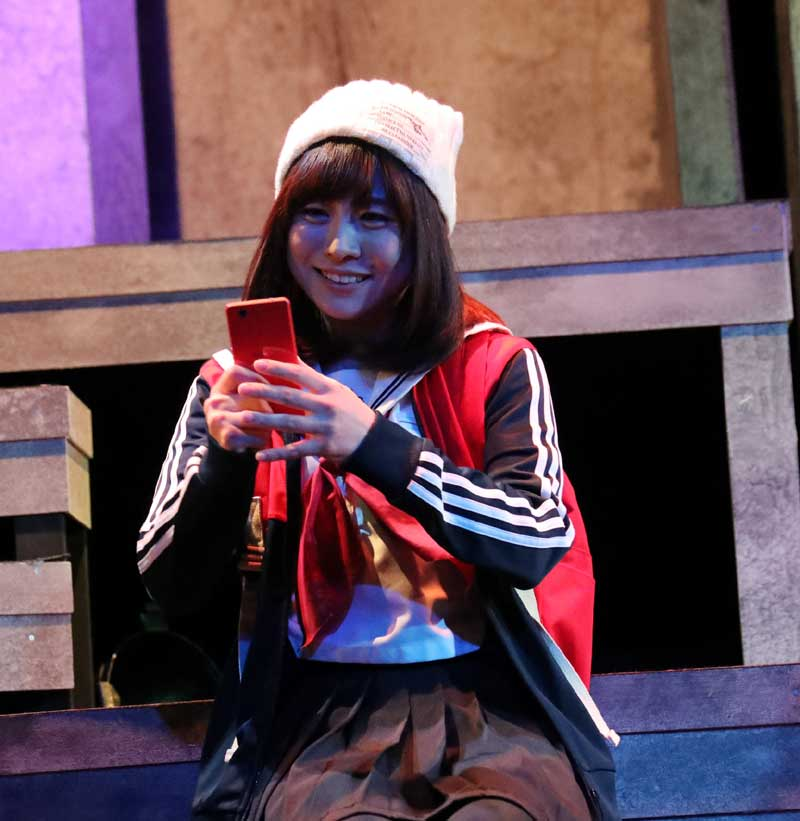 Images : 11番目の画像 - 「黒木美紗子/舞台「君死ニタマフ事ナカレ 零_改」で見事なヲタク演技を披露。「今年一番の熱量をもって演じています」」のアルバム - Stereo Sound ONLINE