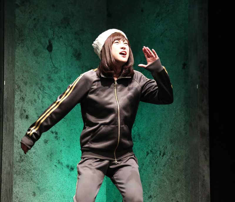 Images : 6番目の画像 - 「黒木美紗子/舞台「君死ニタマフ事ナカレ 零_改」で見事なヲタク演技を披露。「今年一番の熱量をもって演じています」」のアルバム - Stereo Sound ONLINE