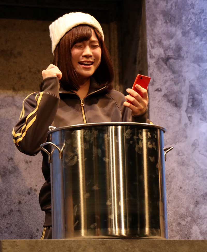 Images : 8番目の画像 - 「黒木美紗子/舞台「君死ニタマフ事ナカレ 零_改」で見事なヲタク演技を披露。「今年一番の熱量をもって演じています」」のアルバム - Stereo Sound ONLINE
