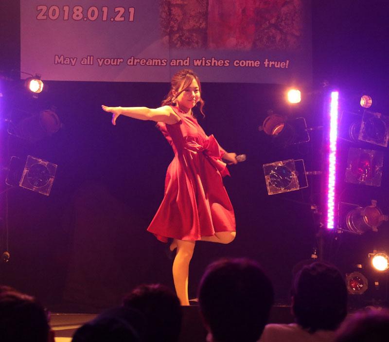 Images : 6番目の画像 - 「青木千春(WHY@DOLL)/真紅のドレスで迎えた25歳のソロ生誕で、情熱的なステージを披露」のアルバム - Stereo Sound ONLINE