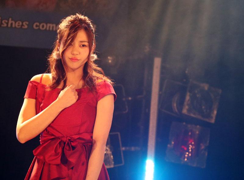Images : 4番目の画像 - 「青木千春(WHY@DOLL)/真紅のドレスで迎えた25歳のソロ生誕で、情熱的なステージを披露」のアルバム - Stereo Sound ONLINE