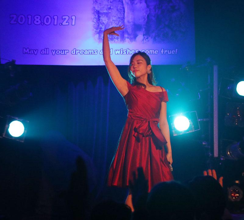 Images : 16番目の画像 - 「青木千春(WHY@DOLL)/真紅のドレスで迎えた25歳のソロ生誕で、情熱的なステージを披露」のアルバム - Stereo Sound ONLINE