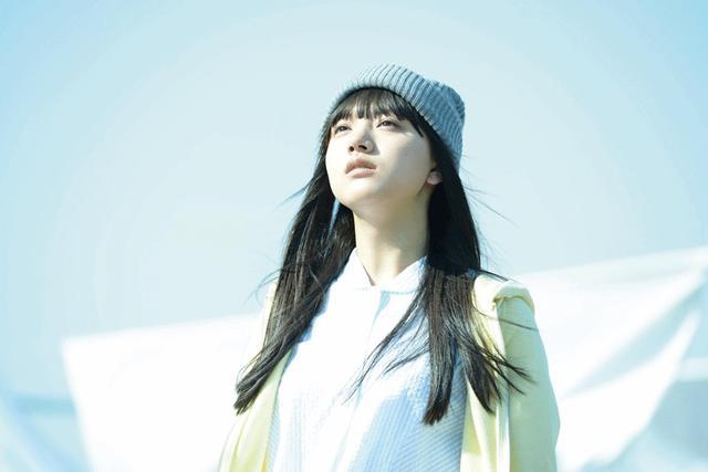 画像2: 清原果耶/1/25公開の映画「愛唄-約束のナクヒト-」で難役・凪を見事に演じきった清原のコメント解禁。「私も彼女のように生きていきたいと思った!」