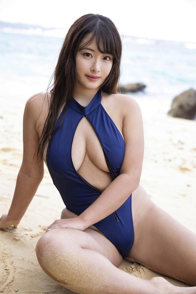 画像2: 秋山かほ/バスト100cmの誘惑! RIPyouthの「天然爆弾娘」秋山かほのファーストイメージDVD発売!!