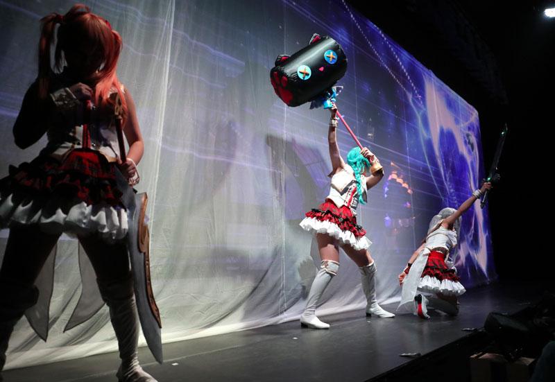 Images : 24番目の画像 - 「七木奏音、天音みほ/「舞台プロジェクト東京ドールズ」本日より開幕。新宿に召喚された9名の美女たちが未知の脅威と戦うアクションたっぷりの注目作!」のアルバム - Stereo Sound ONLINE