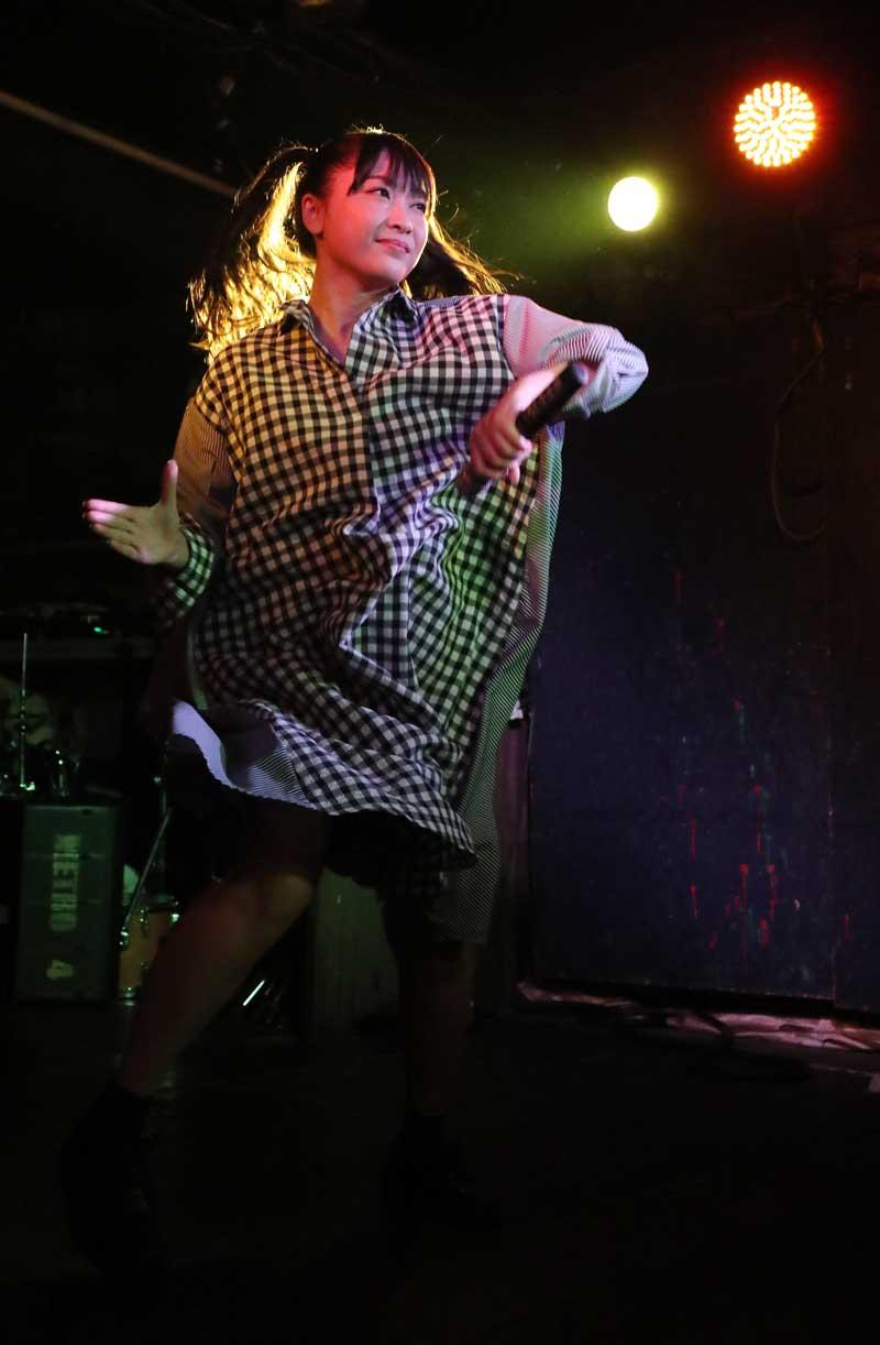 Images : 21番目の画像 - 「ミライスカート/待望のワンマンをホームでもある京都CLUB METROで開催。新曲・新衣装の披露のほかに、東京ワンマンの延長、未来フェス開催もアナウンスされた!」のアルバム - Stereo Sound ONLINE