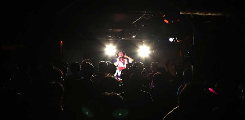 Images : 36番目の画像 - 「ミライスカート/待望のワンマンをホームでもある京都CLUB METROで開催。新曲・新衣装の披露のほかに、東京ワンマンの延長、未来フェス開催もアナウンスされた!」のアルバム - Stereo Sound ONLINE