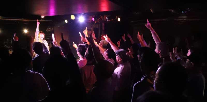 Images : 8番目の画像 - 「ミライスカート/待望のワンマンをホームでもある京都CLUB METROで開催。新曲・新衣装の披露のほかに、東京ワンマンの延長、未来フェス開催もアナウンスされた!」のアルバム - Stereo Sound ONLINE