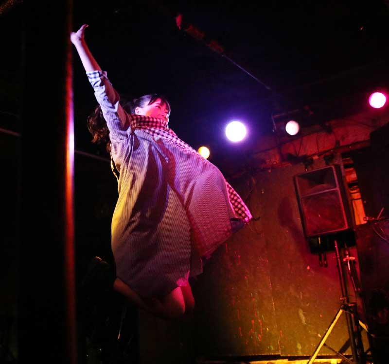Images : 22番目の画像 - 「ミライスカート/待望のワンマンをホームでもある京都CLUB METROで開催。新曲・新衣装の披露のほかに、東京ワンマンの延長、未来フェス開催もアナウンスされた!」のアルバム - Stereo Sound ONLINE