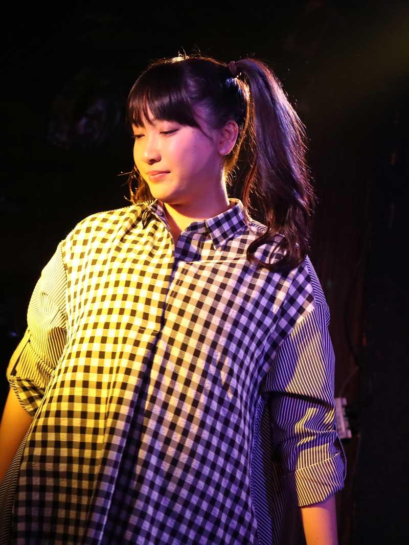 Images : 18番目の画像 - 「ミライスカート/待望のワンマンをホームでもある京都CLUB METROで開催。新曲・新衣装の披露のほかに、東京ワンマンの延長、未来フェス開催もアナウンスされた!」のアルバム - Stereo Sound ONLINE