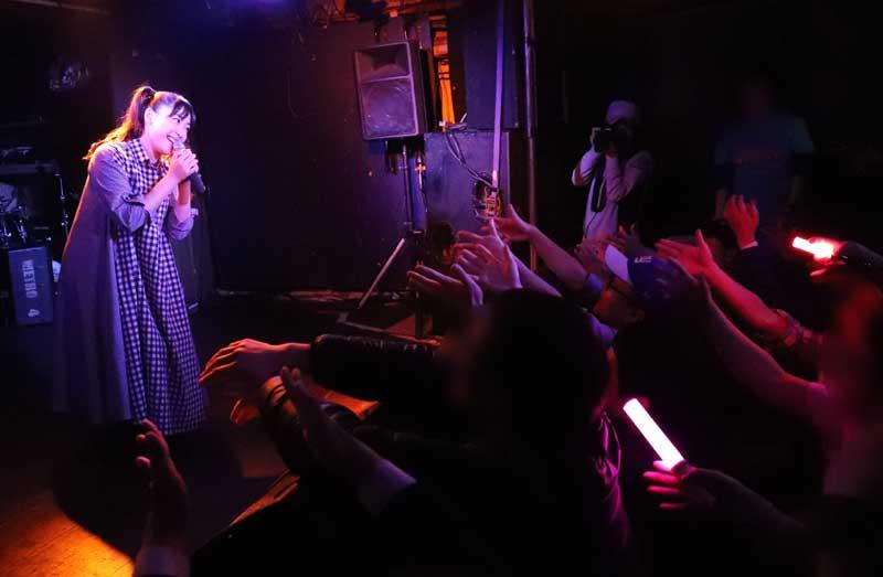 Images : 20番目の画像 - 「ミライスカート/待望のワンマンをホームでもある京都CLUB METROで開催。新曲・新衣装の披露のほかに、東京ワンマンの延長、未来フェス開催もアナウンスされた!」のアルバム - Stereo Sound ONLINE