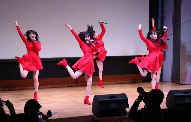 Images : 13番目の画像 - 「九州女子翼/3/24の東京定期をソ―ルドアウトにすべく、3/8からの3日間で6ステージを完遂。渋谷アイドル劇場では50分の持ち時間を使い切り、全9曲、ザ・女子翼のパフォーマンスを披露した」のアルバム - Stereo Sound ONLINE