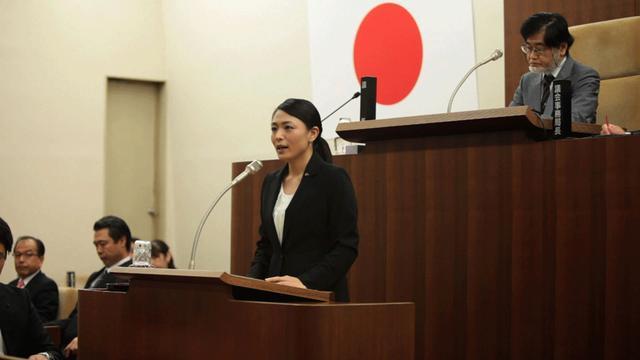 画像2: 川村ゆきえ/主演作「美しすぎる議員」、3/16より公開。「自分の信念にまっすぐ生きる愛ちゃんを演じきりました」