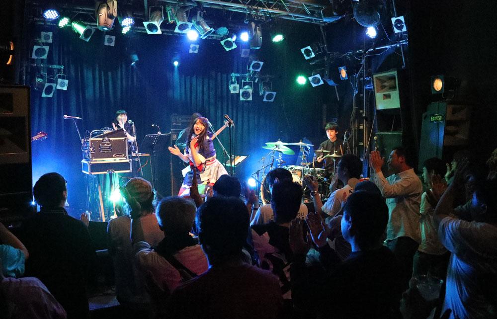 Images : 9番目の画像 - 「ミライスカートバンド/初東京ワンマン公演が大成功。5人一体となった白熱のステージでオーディエンスを魅了」のアルバム - Stereo Sound ONLINE