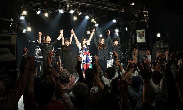 画像3: ミライスカートバンド/初東京ワンマン公演が大成功。5人一体となった白熱のステージでオーディエンスを魅了