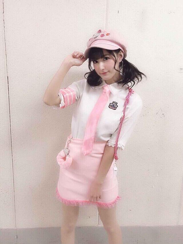 """画像1: """"ピンク""""こと彩川ひなのが、ルミネtheよしもとに初登場!!"""