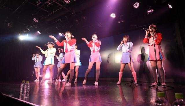 画像1: ハコイリムスメ/依田彩花、山本花奈を新メンバーに迎え、第5期発足。ロックンロール調の新オリジナル曲「キス取りゲーム」も披露