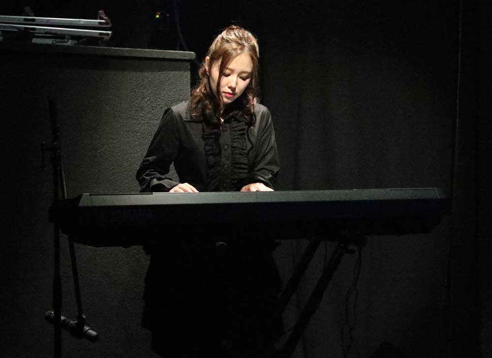 Images : 1番目の画像 - 「若林倫香、水城夢子/アリスインプロジェクト最新舞台「降臨Hearts&Soul」、いよいよ池袋に降臨! 熱く、激しく、昂る魂の咆哮の饗宴」のアルバム - Stereo Sound ONLINE
