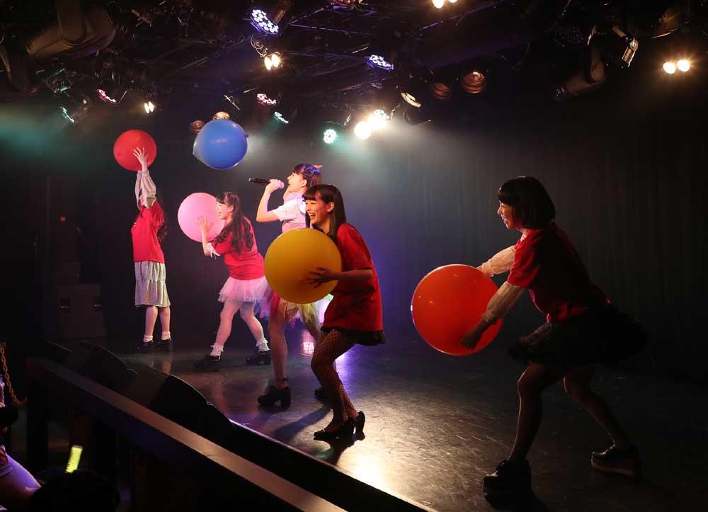 Images : 2番目の画像 - 「九州女子翼/東京定期で新曲披露。前回を大幅にアップデートする、圧倒的な進化を果たしたパフォーマンスで会場のオーディエンスを熱狂させた」のアルバム - Stereo Sound ONLINE