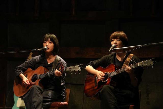 画像2: 音楽好き必見、小松菜奈と門脇麦の歌声がたっぷり聴ける映画『さよならくちびる』(5月31日公開)の魅力に迫る