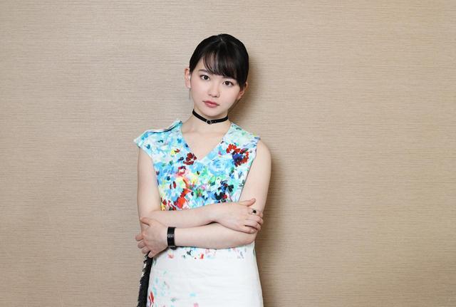 画像1: 山田杏奈/バンドの紅一点として見事な演奏&歌唱を披露。役者としても新たな一面を発揮した注目作「小さな恋のうた」が、いよいよ5/24に公開