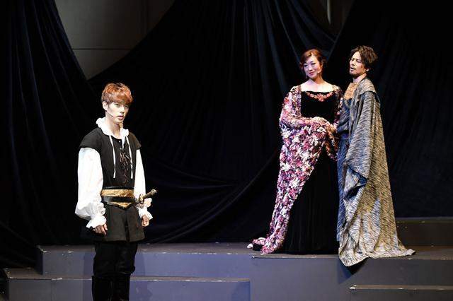 画像2: 音楽劇「ハムレット」/シェイクスピアの古典的名作と、歌舞伎の驚くべき融合。東京・天空博劇場にて25日まで上演中