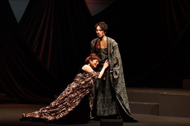 画像4: 音楽劇「ハムレット」/シェイクスピアの古典的名作と、歌舞伎の驚くべき融合。東京・天空博劇場にて25日まで上演中