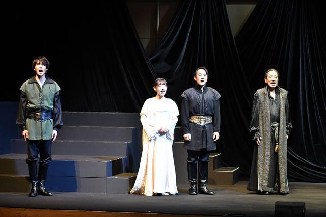 画像1: 音楽劇「ハムレット」/シェイクスピアの古典的名作と、歌舞伎の驚くべき融合。東京・天空博劇場にて25日まで上演中